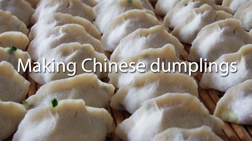 Making Chinese dumplings at the Sinology Institute